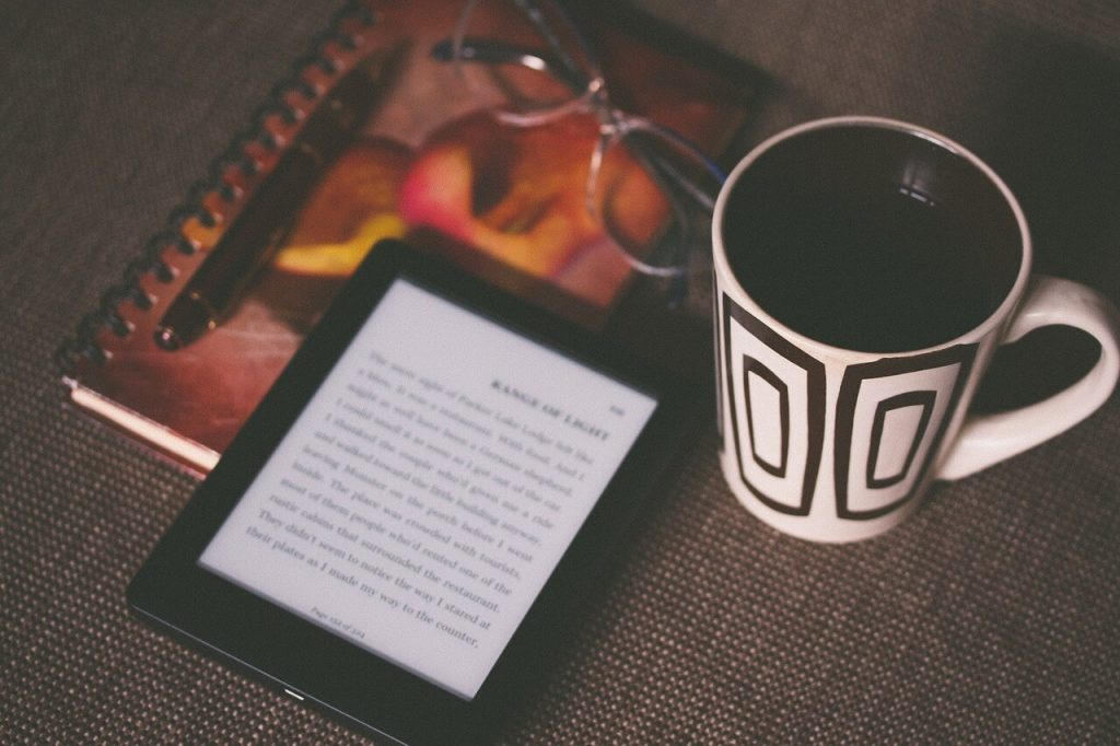 Los BENEFICIOS de leer libros online